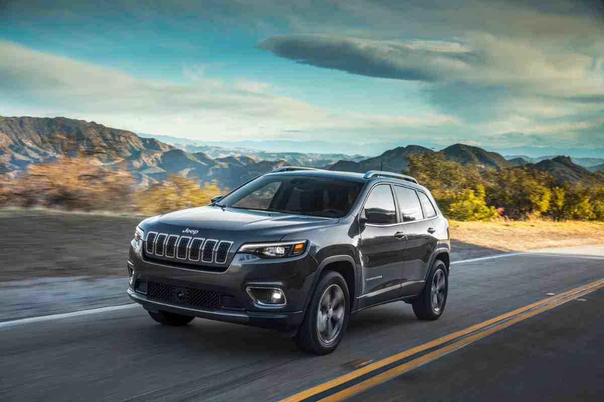 5 Types of Boats You Can Tow With A Jeep Cherokee