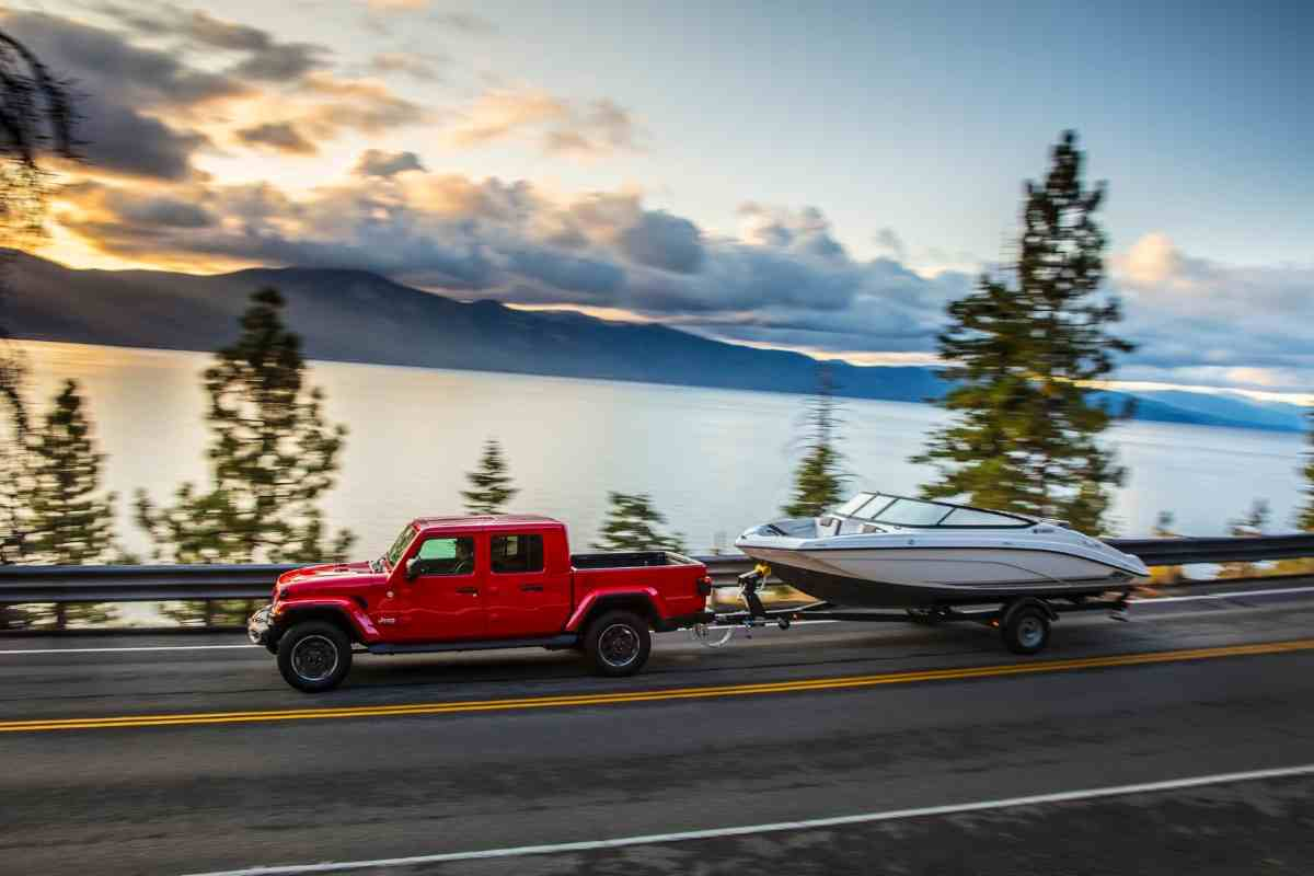 12 Boats You Can Tow With A Jeep Gladiator [Jeep Towing Capacity]