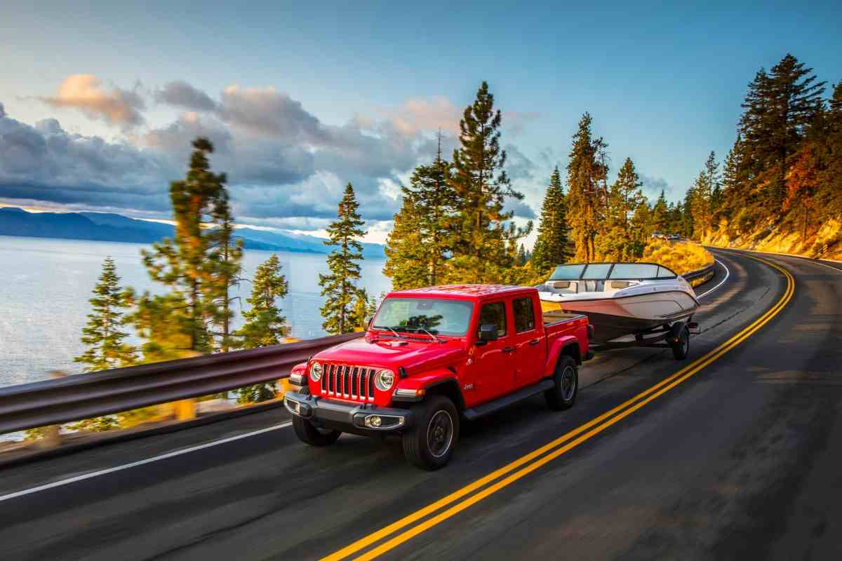 What Boats Can a Jeep Gladiator Tow?