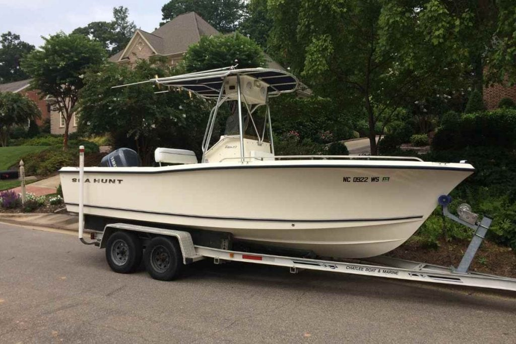 21 Foot Center Console Boat by Sea Hunt Boats