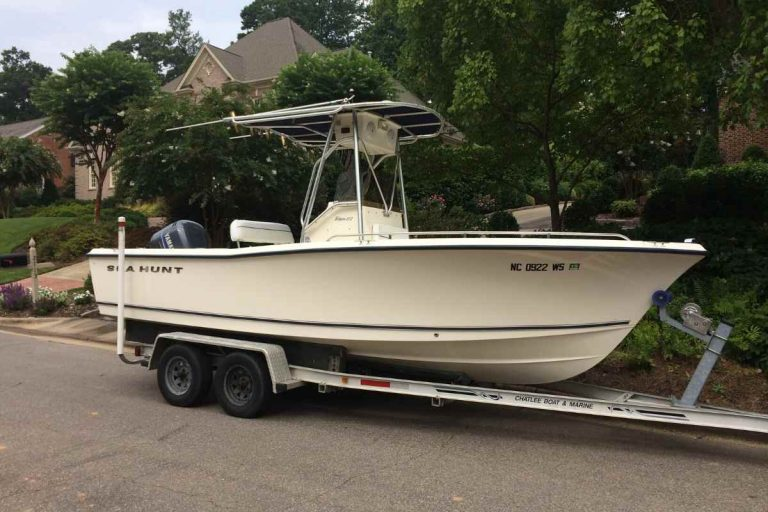 How Much Does a Center Console Boat Weigh? [9 Examples]