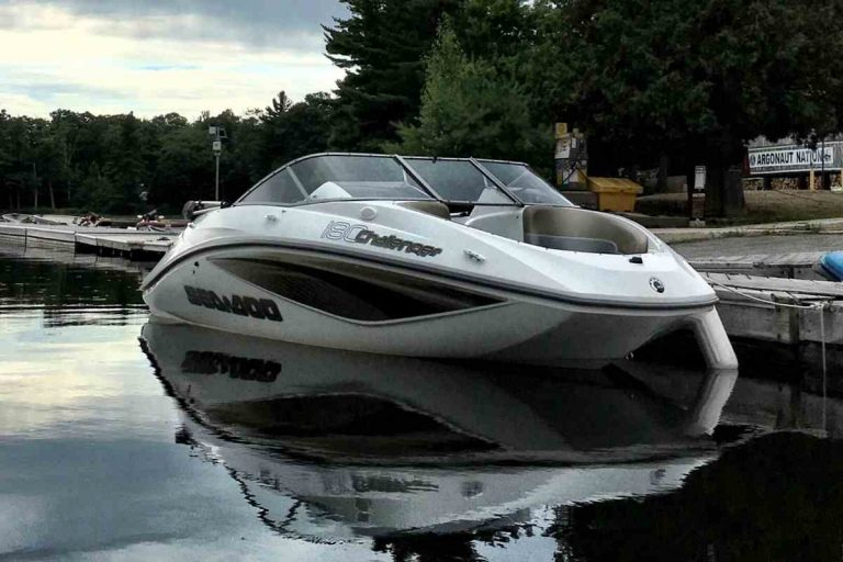 Are Jet Boats Good in Saltwater?