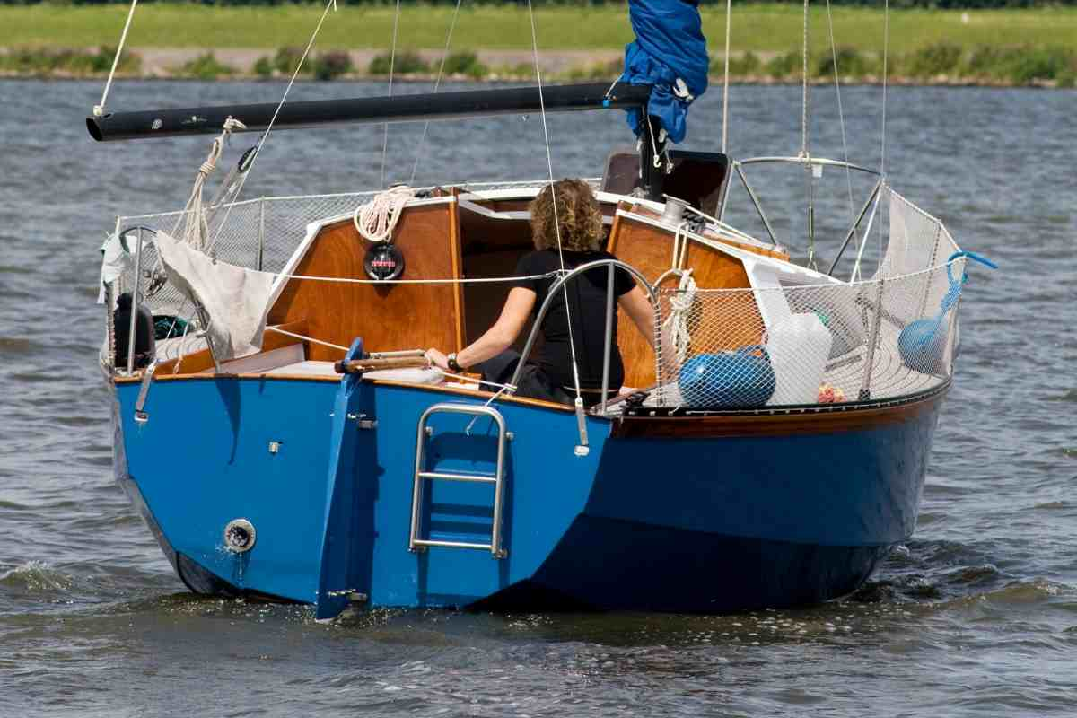 Are Sailboats Cheaper Than Powerboats? Do Most Sailboats Have Motors? #boating #sailing #sailboat #boatlife