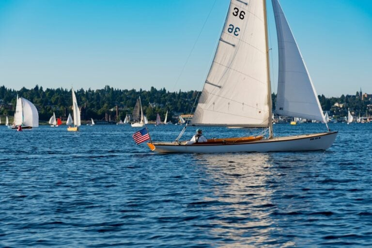 How Do You Rig A Small Sailboat?