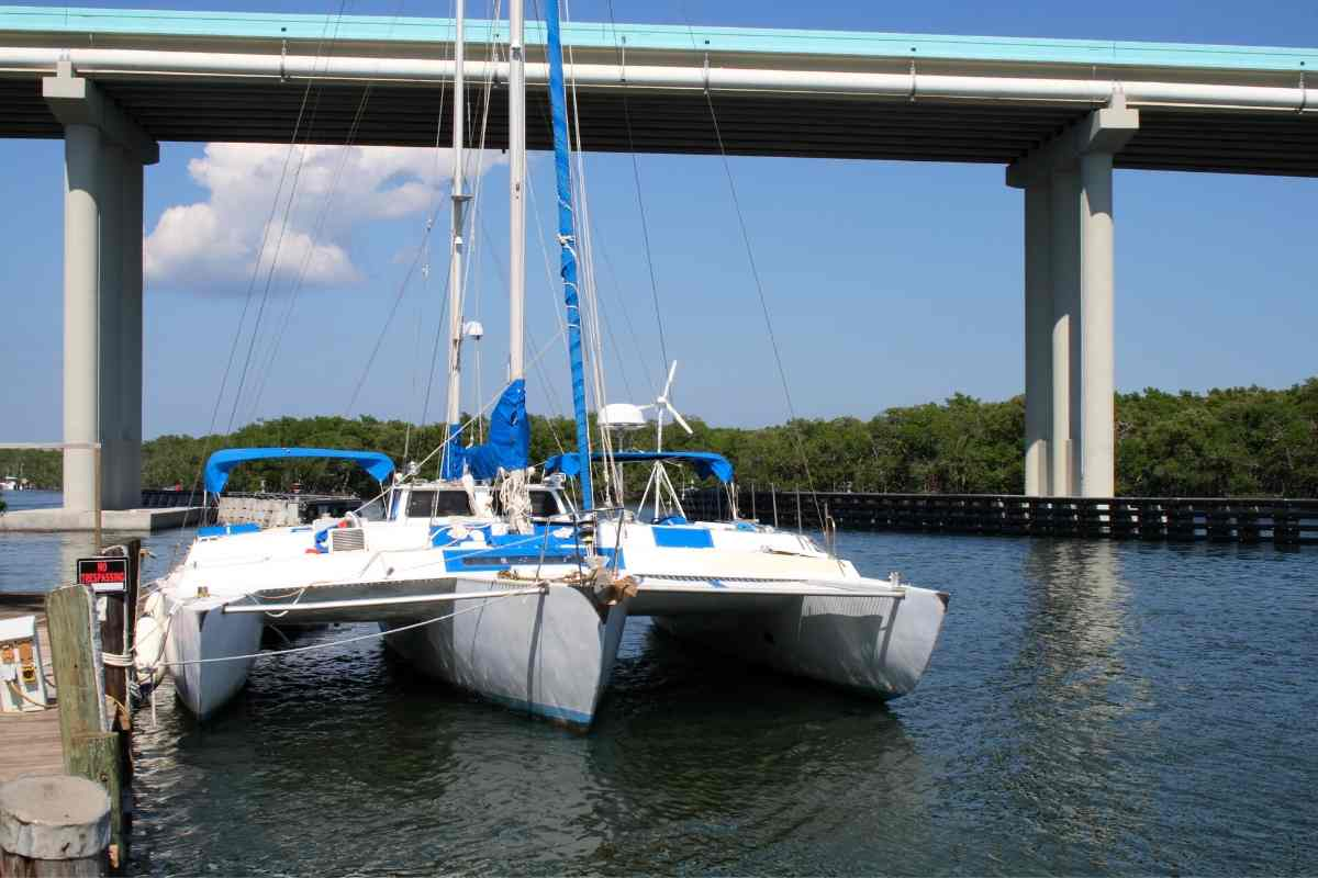 How Big Of A Sailboat Do I Need For The Ocean? Does a Seaworthy Sailboat Have to Draw a Lot Of Water?  Most seaworthy monohull sailboats draw at least a couple of feet, making them unable to get to some of the best spots in the Caribbean. However, seaworthy multihulls may draw much less.