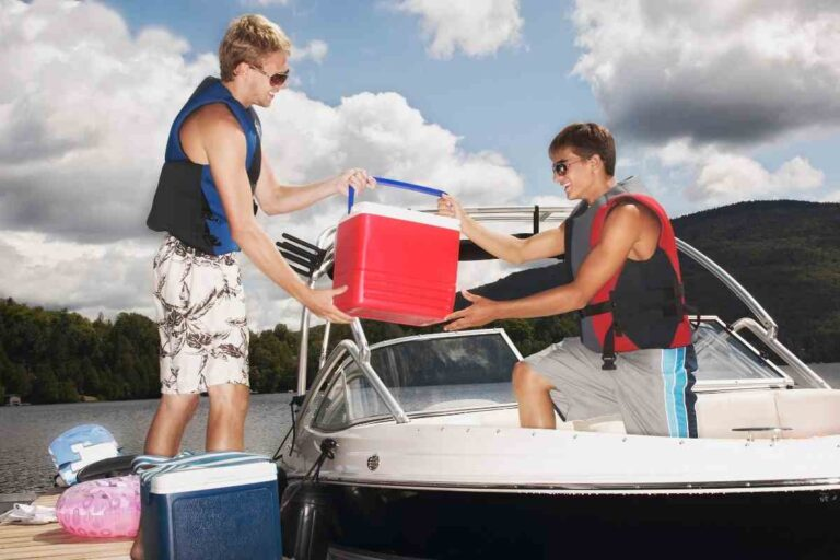 Best Snacks to Take to Pack on a Boat Ride