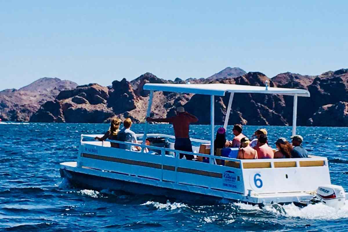 Top Secrets To Driving A Pontoon Boat For Maximum Fun and Comfort