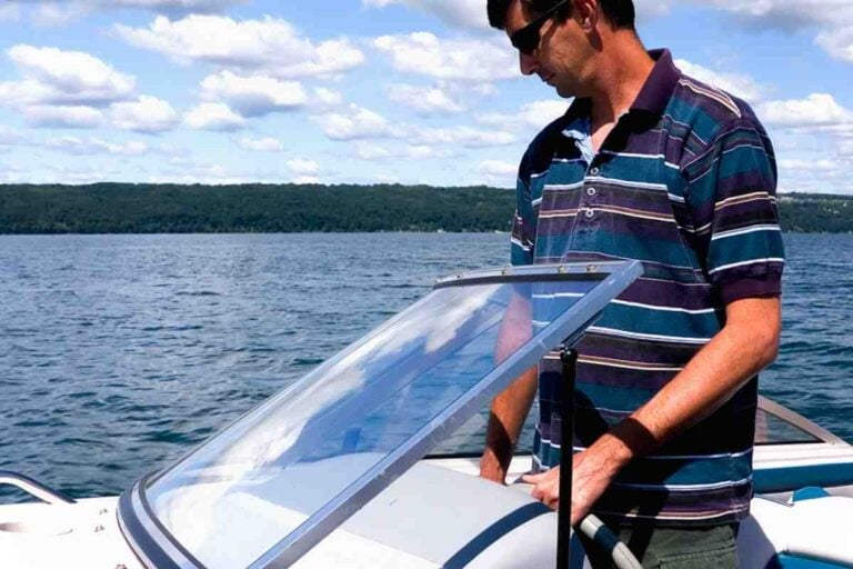How to Drive a Deck Boat: Tips and Tricks