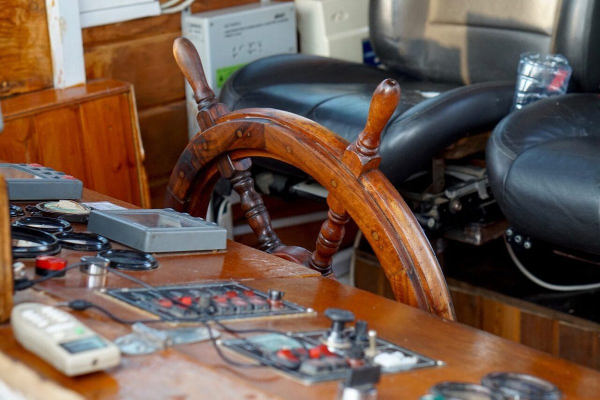 How Does Autopilot Work On A Sailboat?