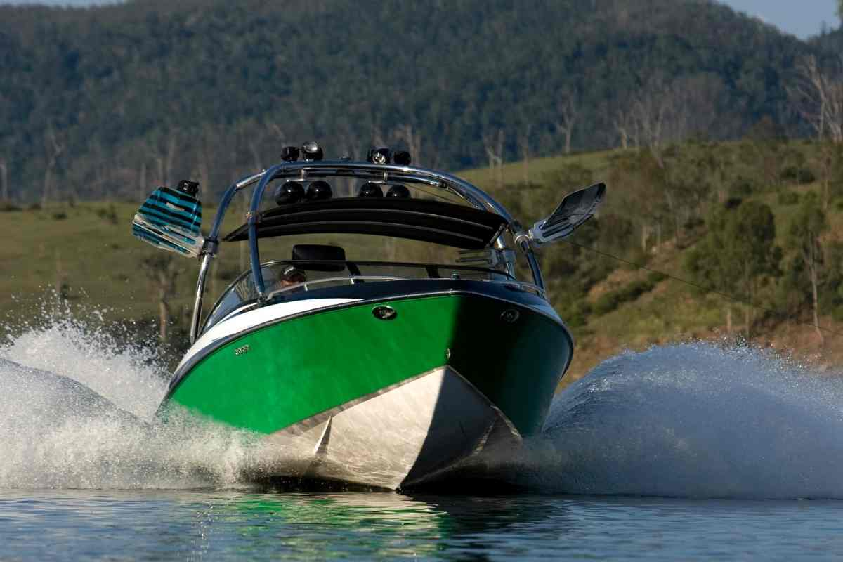 Can Wakeboard Boats Go In The Ocean?