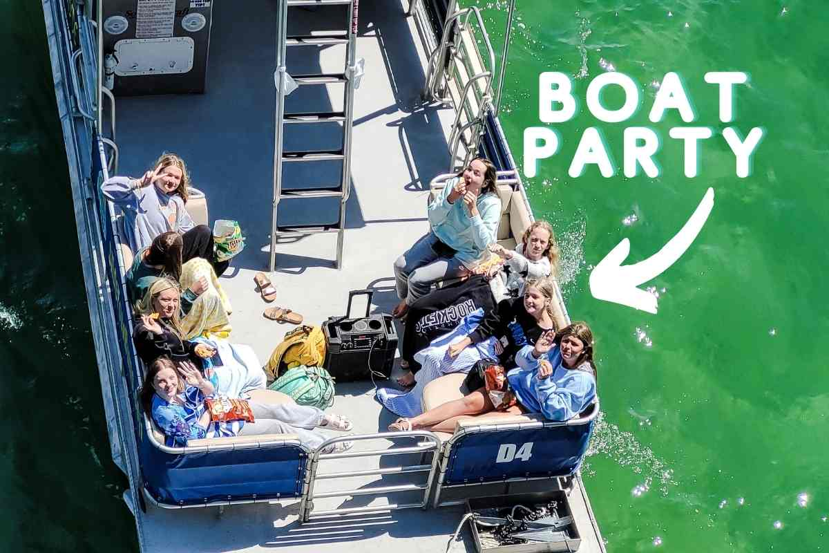 How Much Weight Can A Pontoon Boat Carry